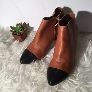 Ann Taylor two tone booties 8M